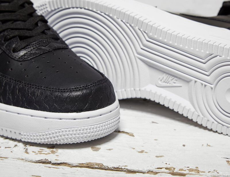 nike-air-force-1-black-scales_04