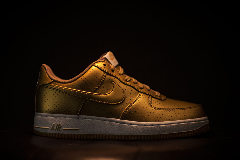 nike-air-force-1-gold_05