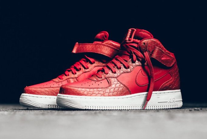 nike-air-force-1-mid-red-python-681x460