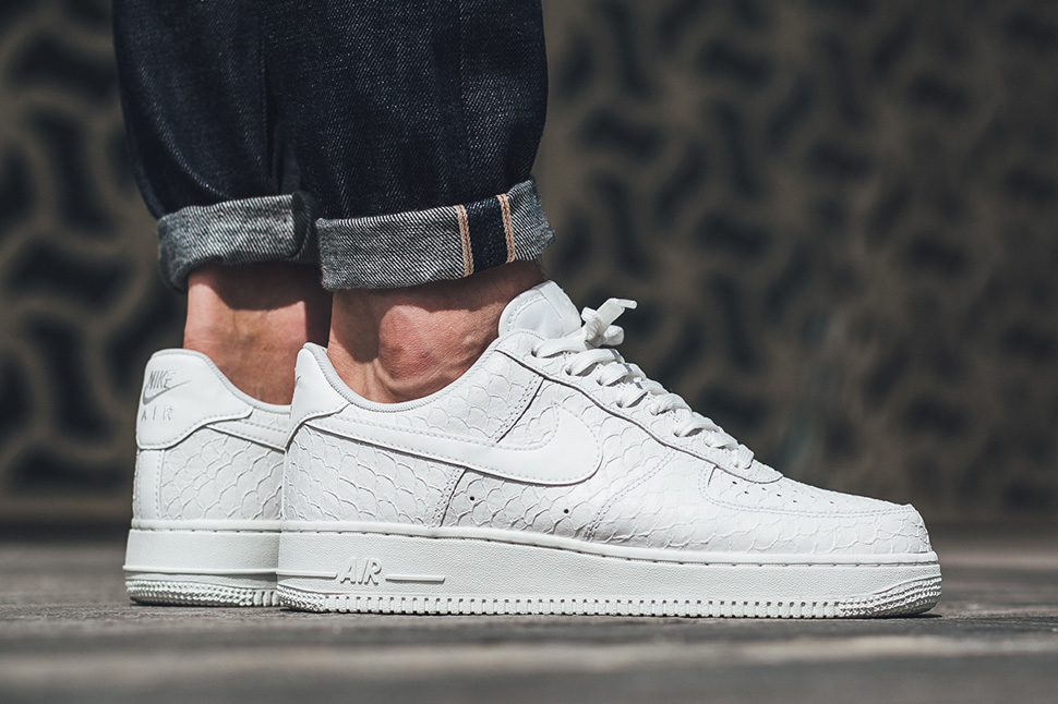 nike-air-force-1-scales
