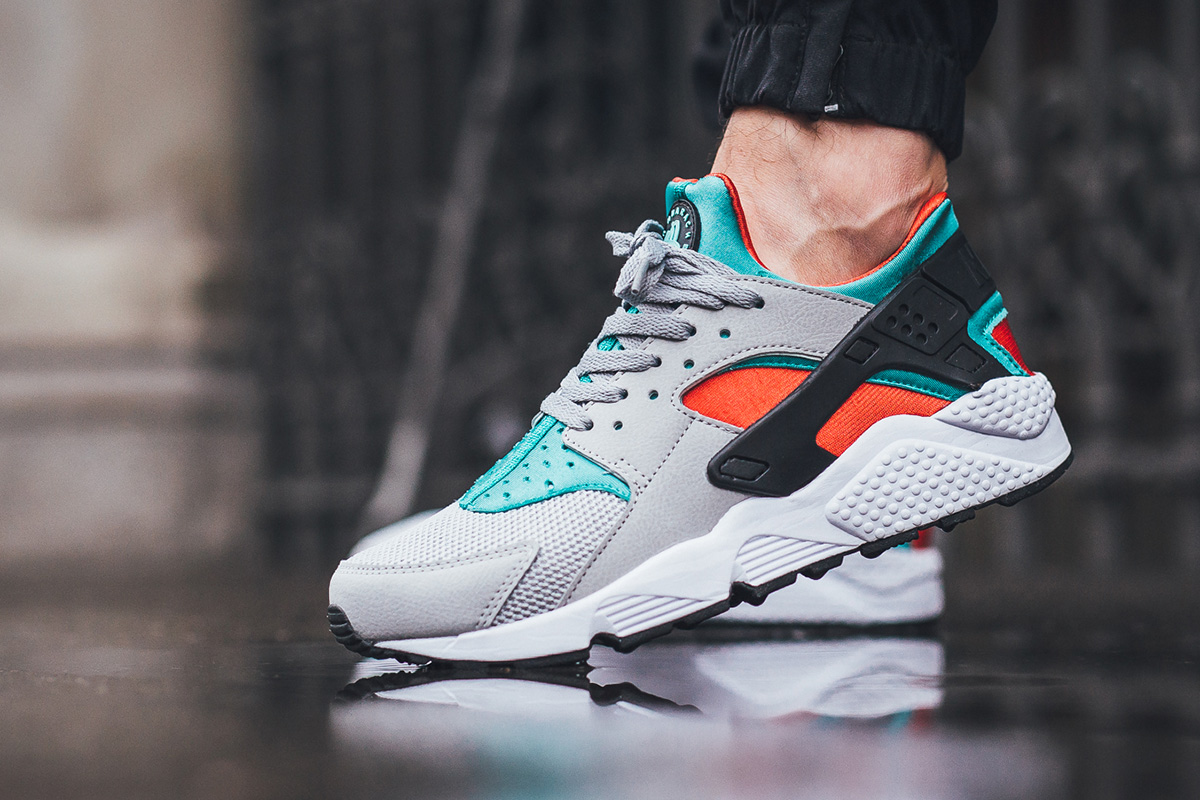 nike-air-huarache-clear-jade_02