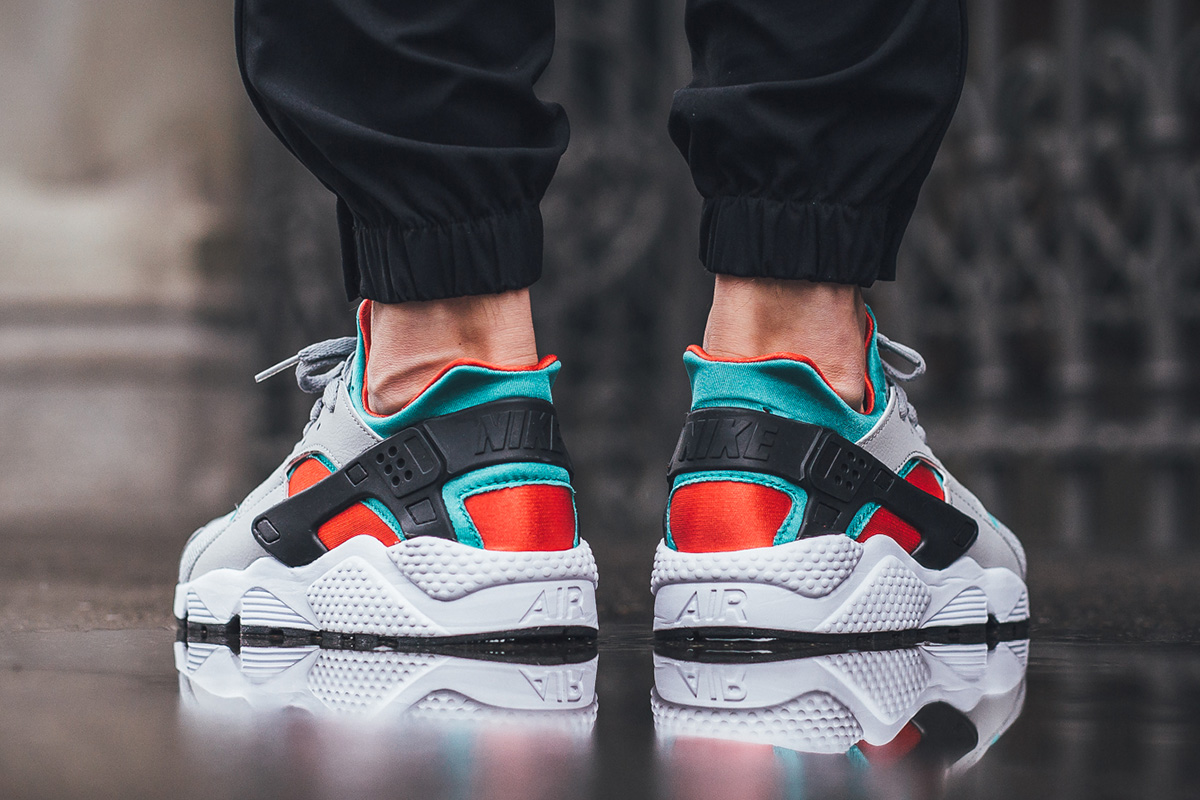 nike-air-huarache-clear-jade_03