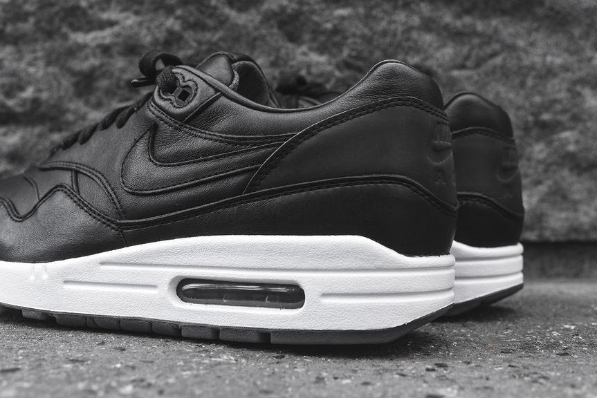 nike-air-max-1-pinnacle-black_03
