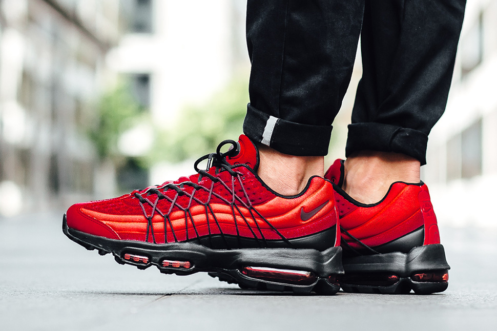 nike-air-max-95-action-red