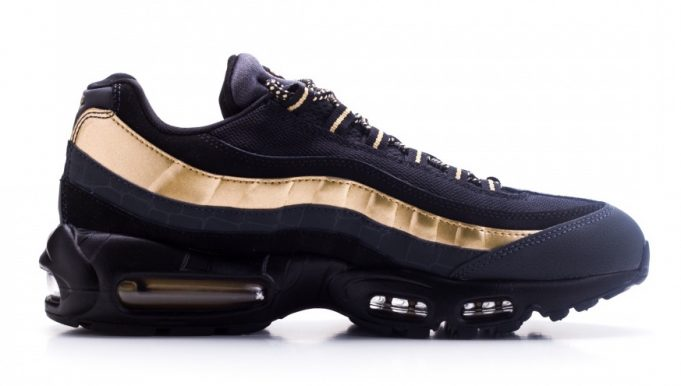 nike-air-max-95-premium-black-gold-681x386