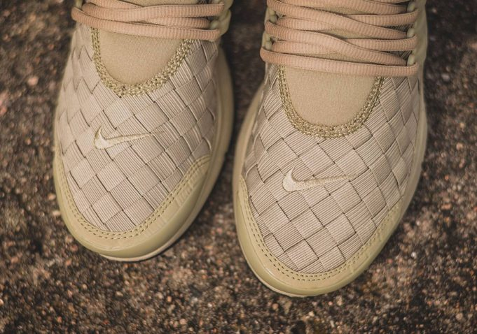 nike-air-presto-woven-neutral-olive-2-681x478
