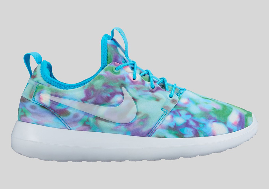 nike-roshe-two-womens-graphic-preview-01