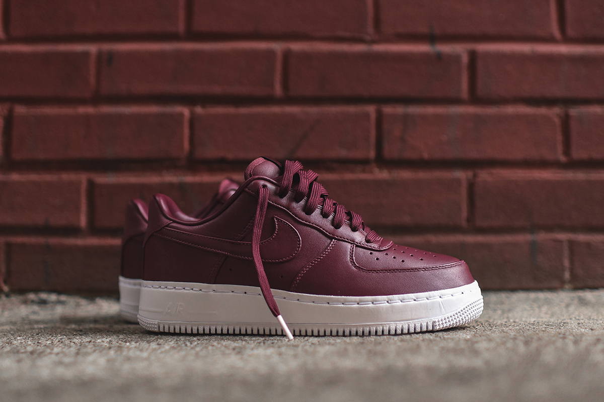nikelab-air-force-1-low-night-maroon_04