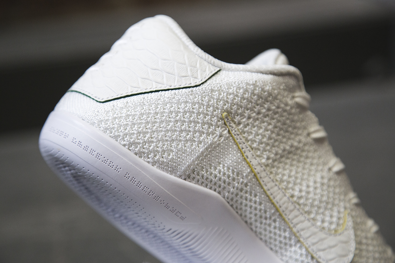 nikelab-kobe-xi-elite-low-brazil-4