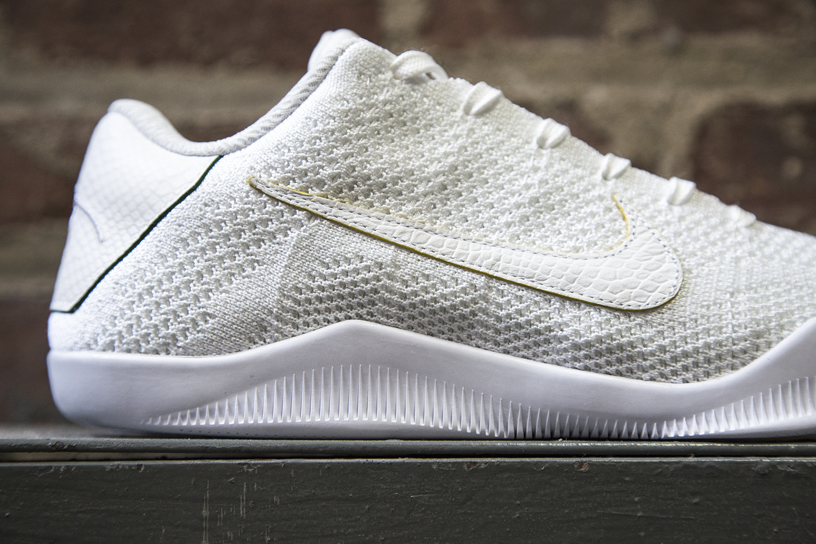 nikelab-kobe-xi-elite-low-brazil-5