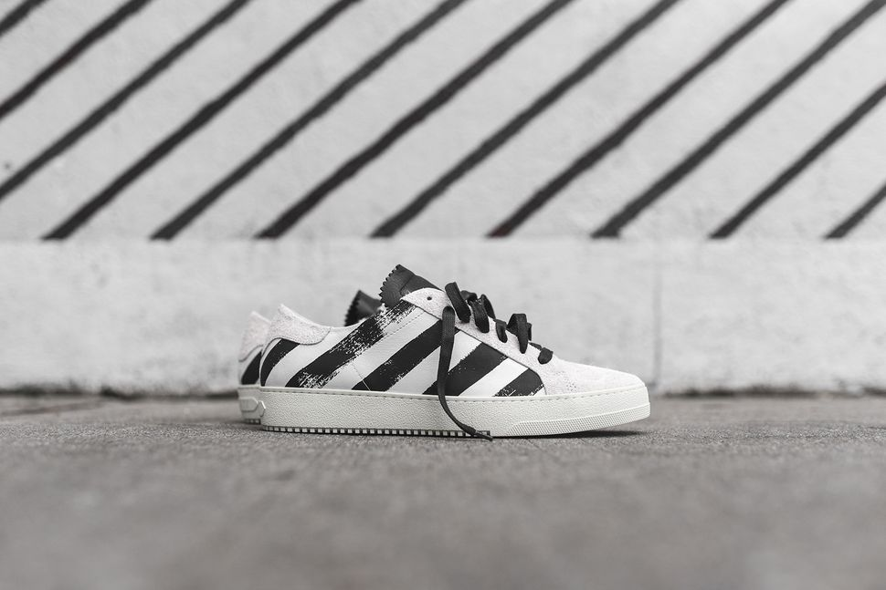 off-white-striped-sneaker-pack-2