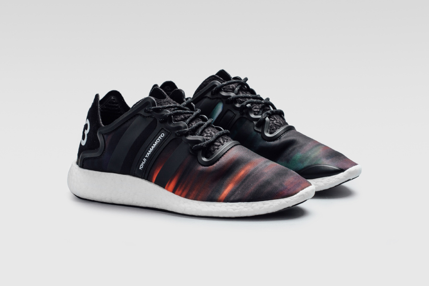 y3-yohji-run-northern-lights-1