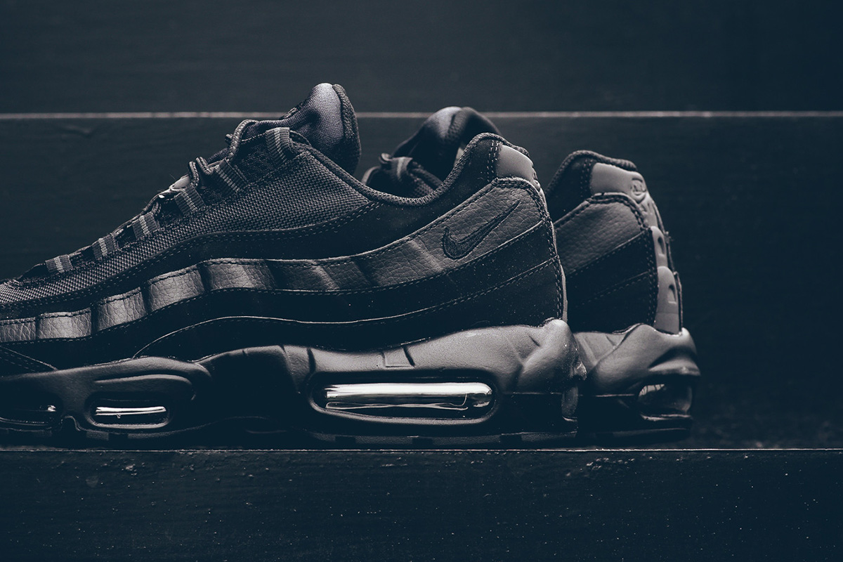 nike-air-max-95-black-anthracite-5