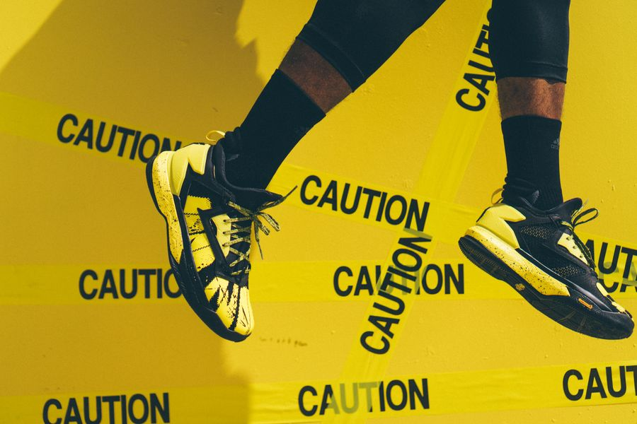 adidas-dlillard-yellow-tape_05