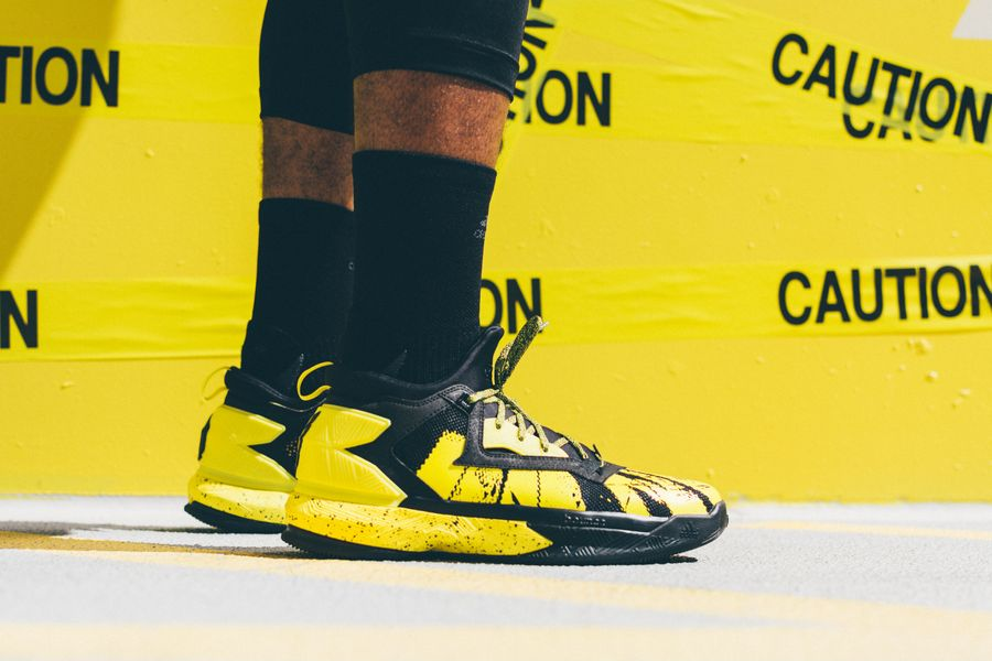 adidas-dlillard-yellow-tape_08