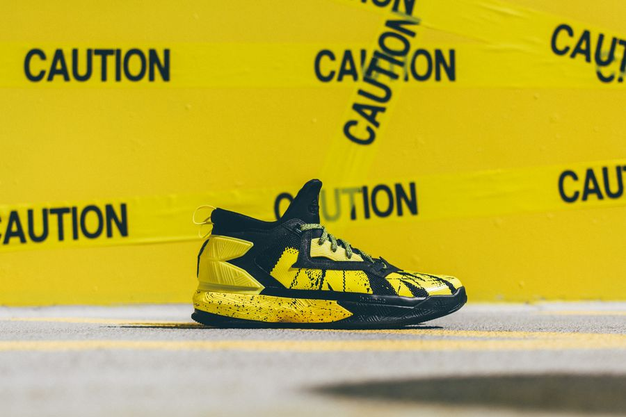 adidas-dlillard-yellow-tape_09