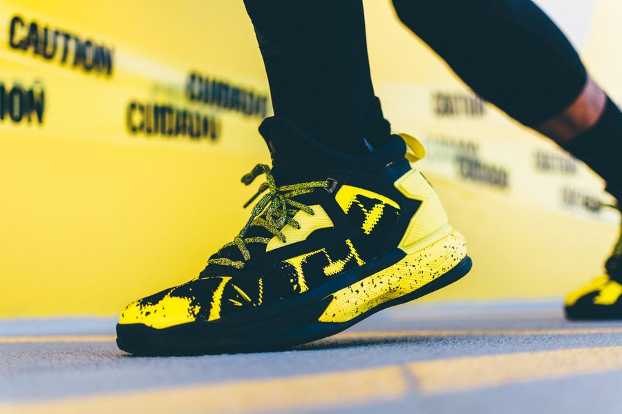 adidas-dlillard-yellow-tape_10