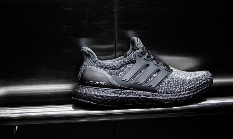 adidas-gradient-blackout-boost_02
