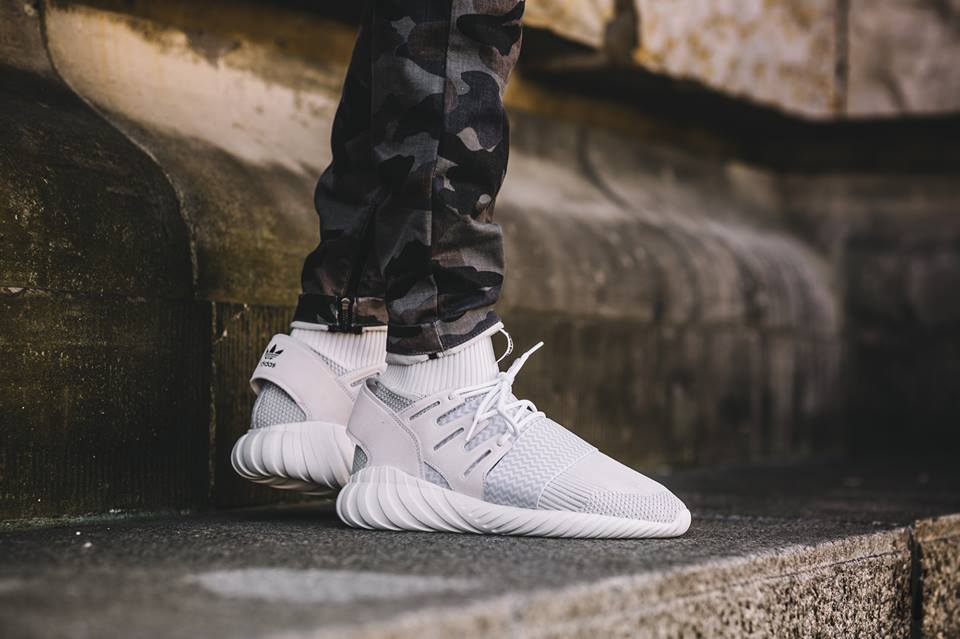 adidas-tubular-doom-triple-white_02