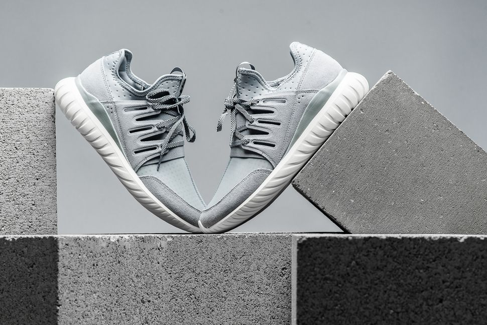adidas-tubular-radial-light-grey-1