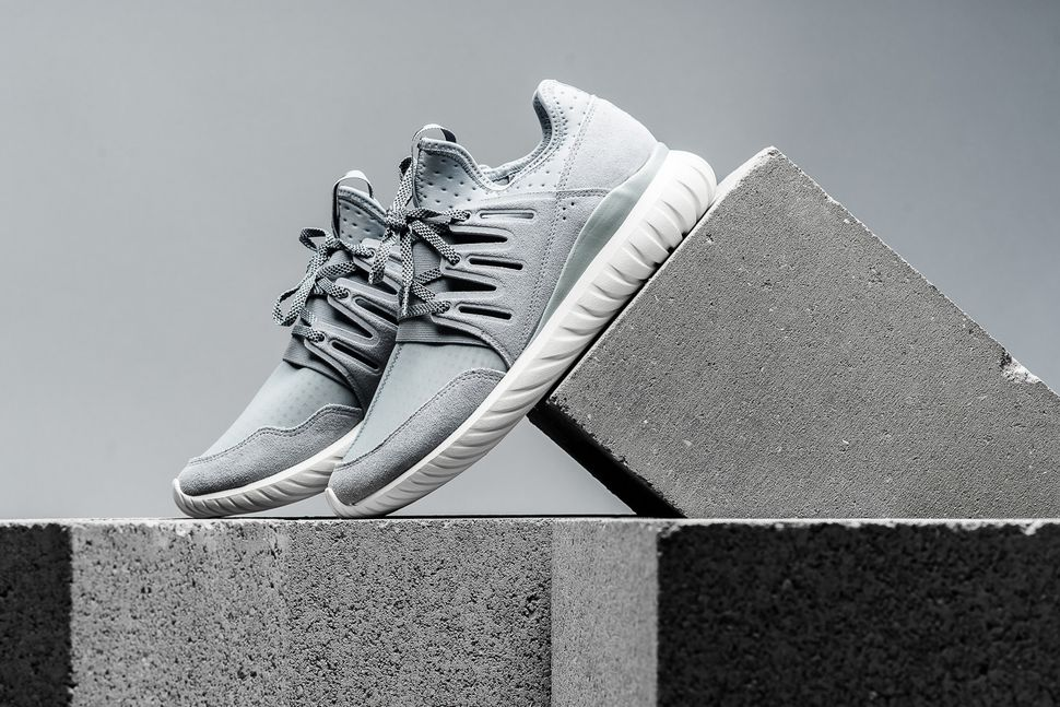 adidas-tubular-radial-light-grey-2