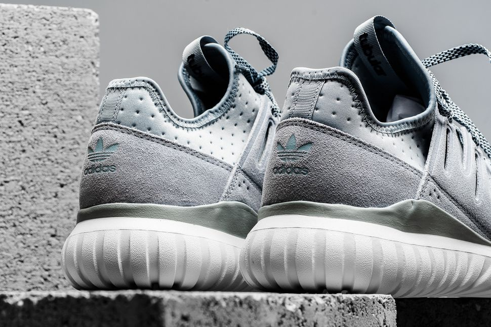 adidas-tubular-radial-light-grey-3