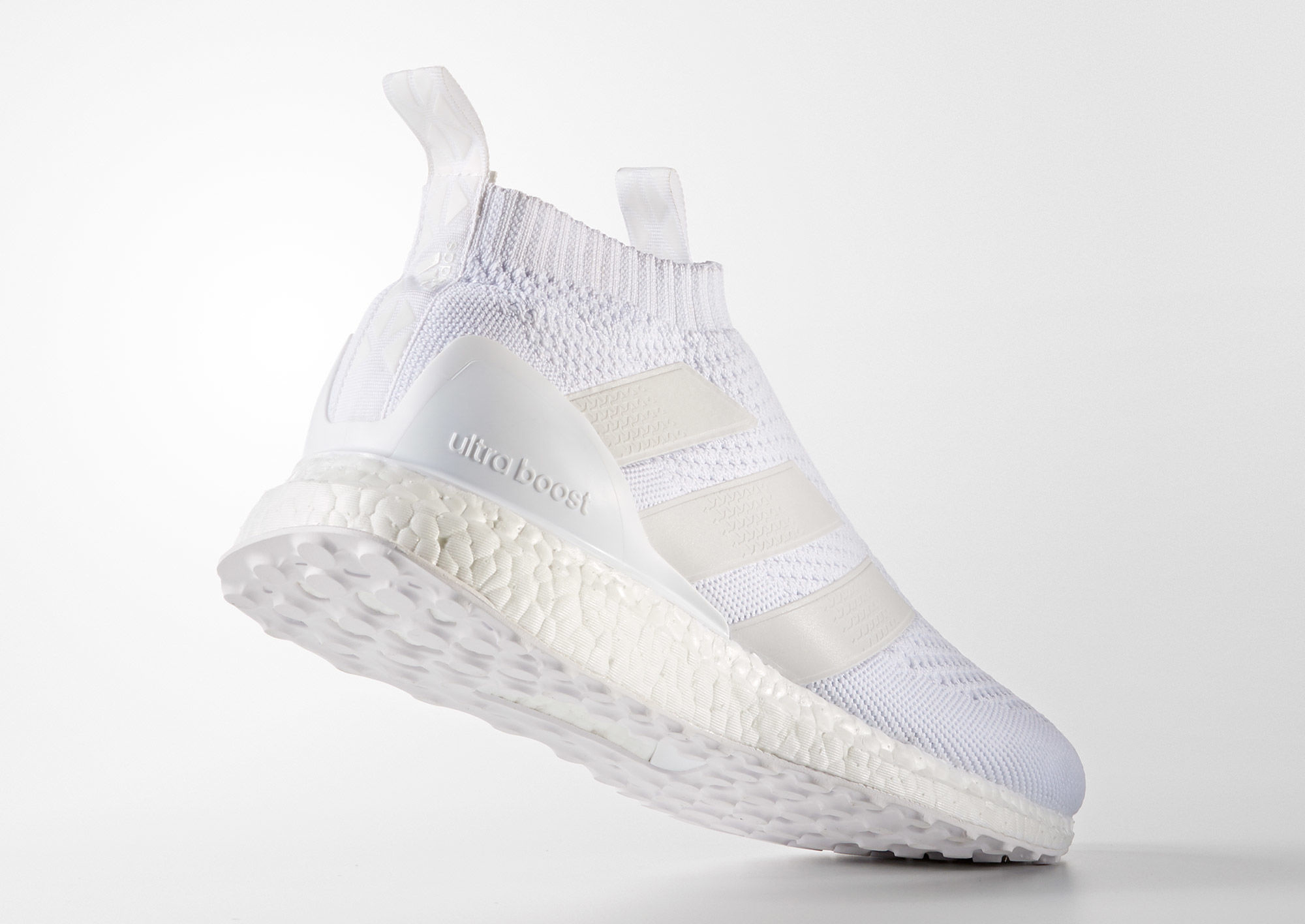 adidas-ultra-boost-pure-control-triple-white_02
