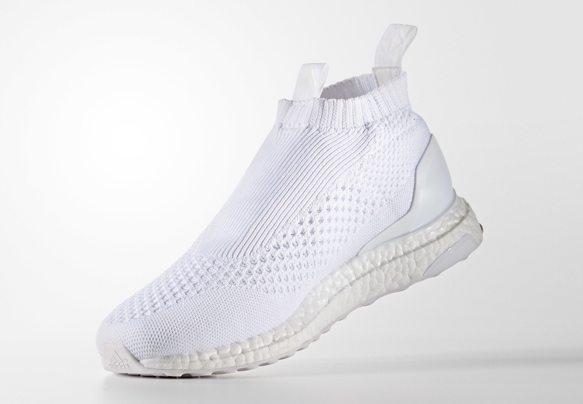 adidas-ultra-boost-pure-control-triple-white_03