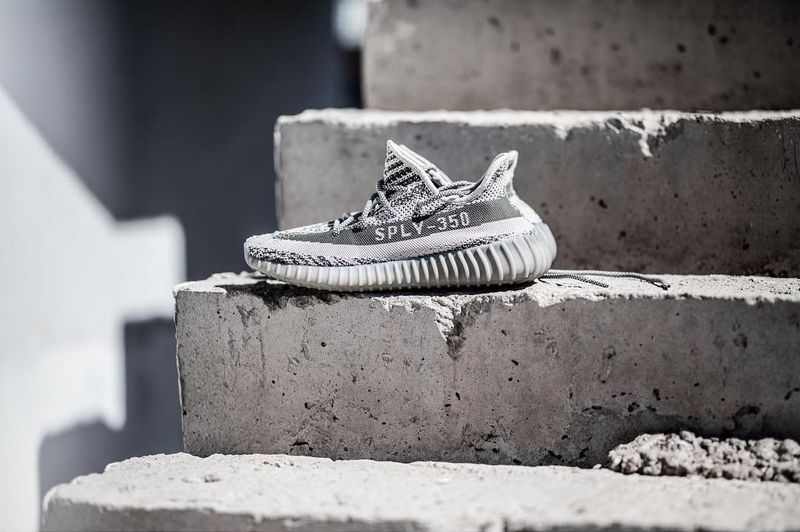 adidas-yeezy-boost-v2-turtle-dove_04