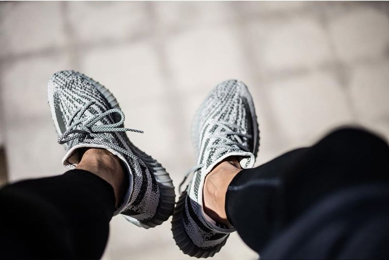 adidas-yeezy-boost-v2-turtle-dove_05