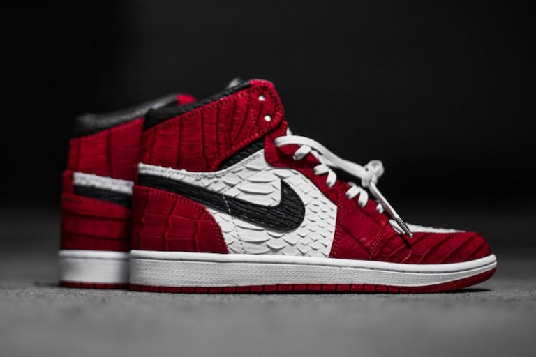 air-jordan-1-chicago-python-custom-768x512