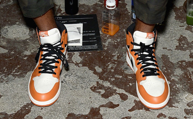 carmelo-anthony-air-jordan-1-reverse-shattered-backboard-alternate