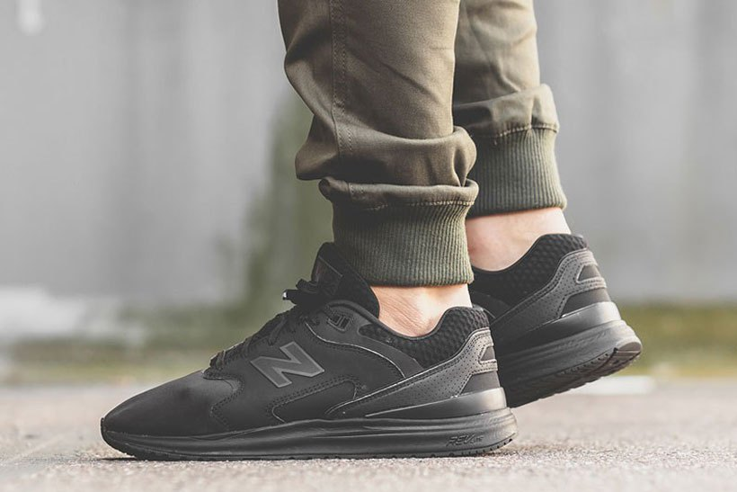 new-balance-1550-triple-black-1