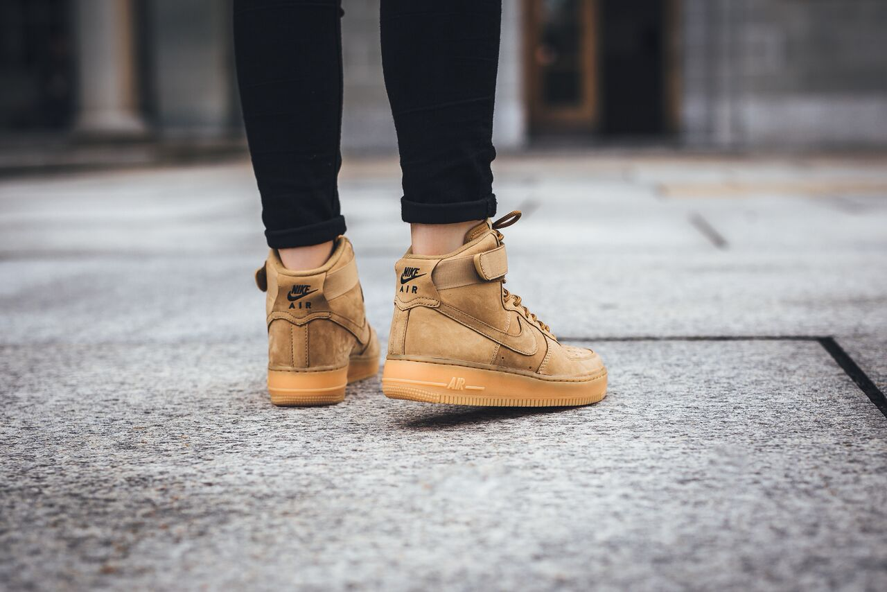 nike-air-force-1-high-flax_02