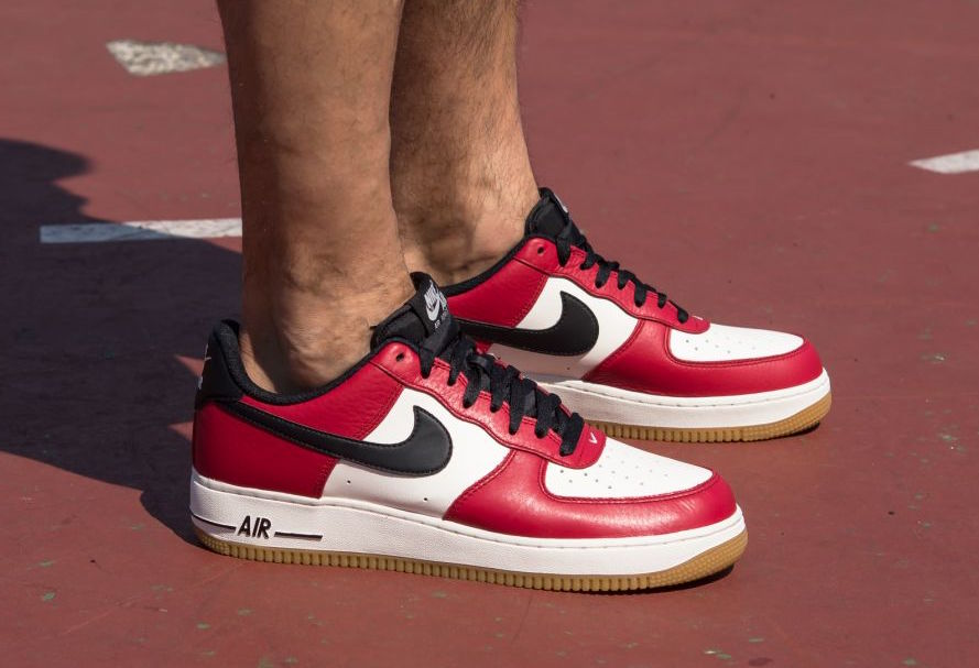 nike-air-force-1-low-chicago-gum-1