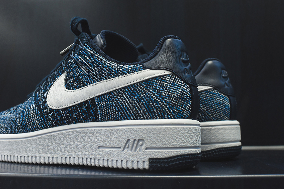 nike-air-force-1-ultra-flyknit-low-obsidian-3