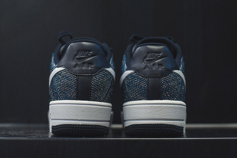 nike-air-force-1-ultra-flyknit-low-obsidian-4