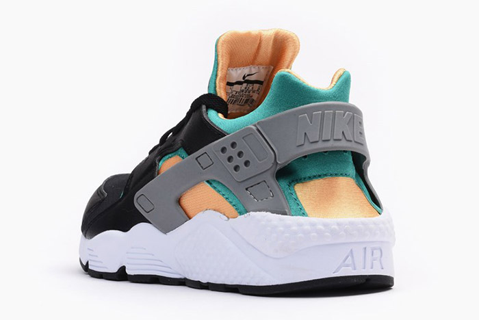 nike-air-huarache-black-emerald-resin-3