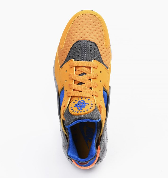 nike-air-huarache-run-se-gold-leaf-4