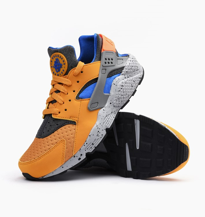 nike-air-huarache-run-se-gold-leaf-5