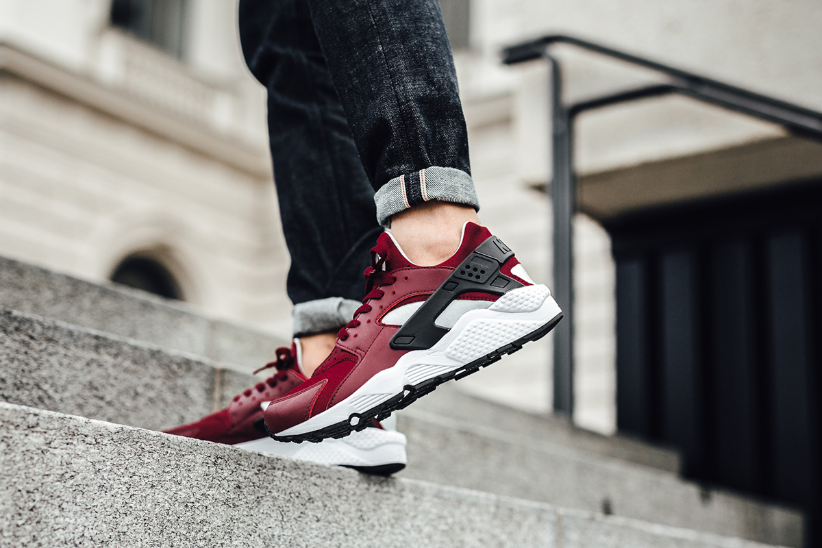 nike-air-huarache-team-red-3