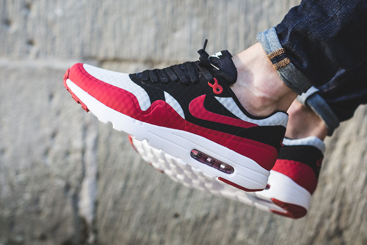 nike-air-max-1-ultra-essential-gym-red-black-1