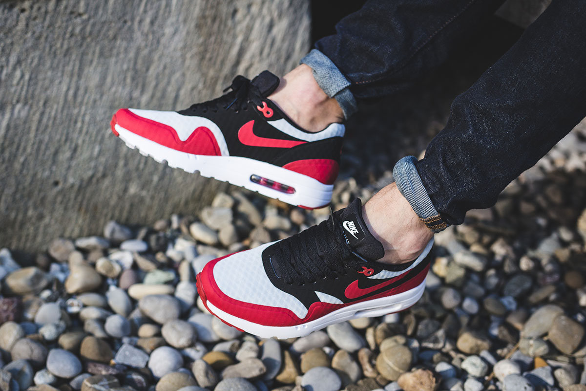nike-air-max-1-ultra-essential-gym-red-black-2