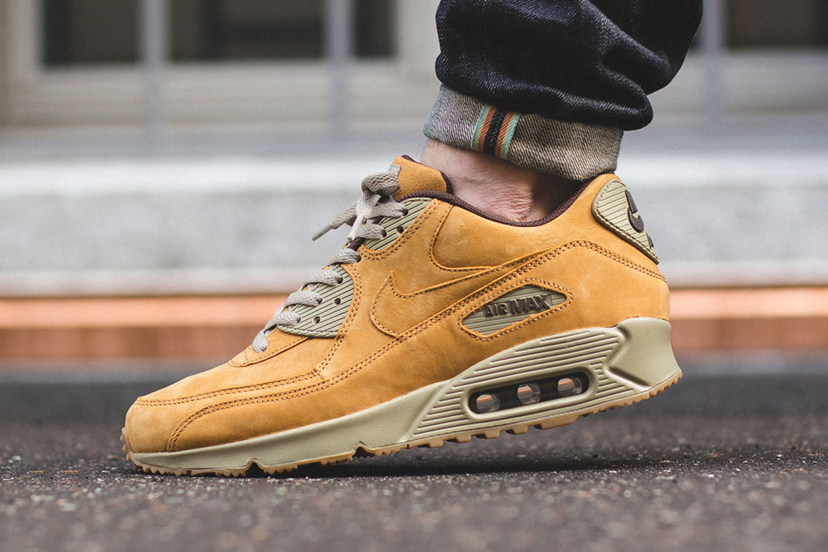 nike-air-max-90-winter-premium-bronze-1