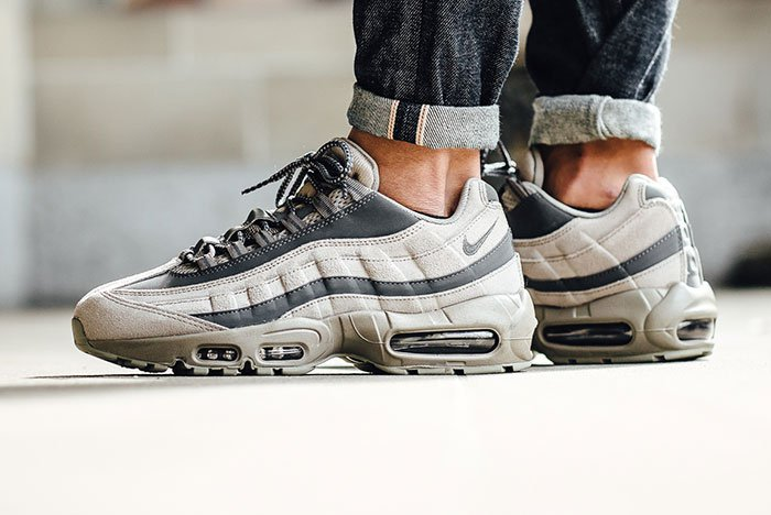 nike-air-max-95-essential-light-taupe-1