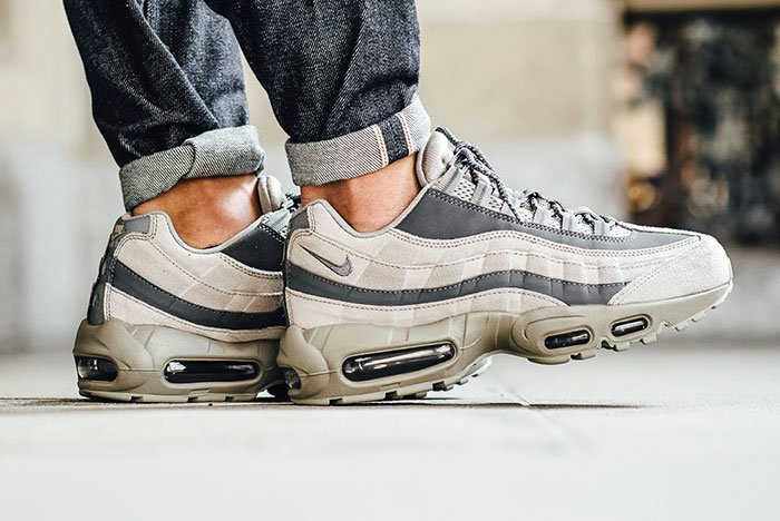nike-air-max-95-essential-light-taupe-2