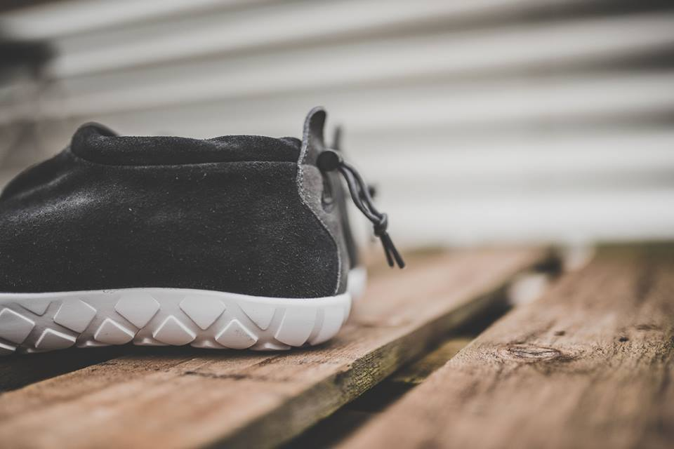 nike-air-moc-ultra-black-4