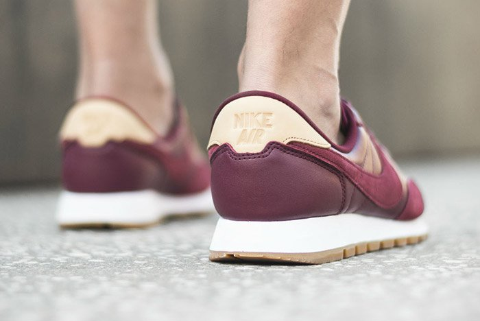 nike-air-pegasus-83-premium-night-maroon-3