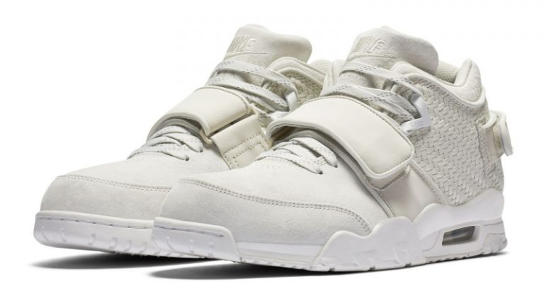 nike-air-trainer-cruz-cream-white-blue-768x418