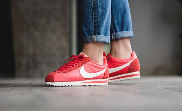 nike-classic-cortez-textile-ember-glow-1